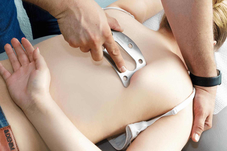 faszien-instrument-physioblade-im-einsatz